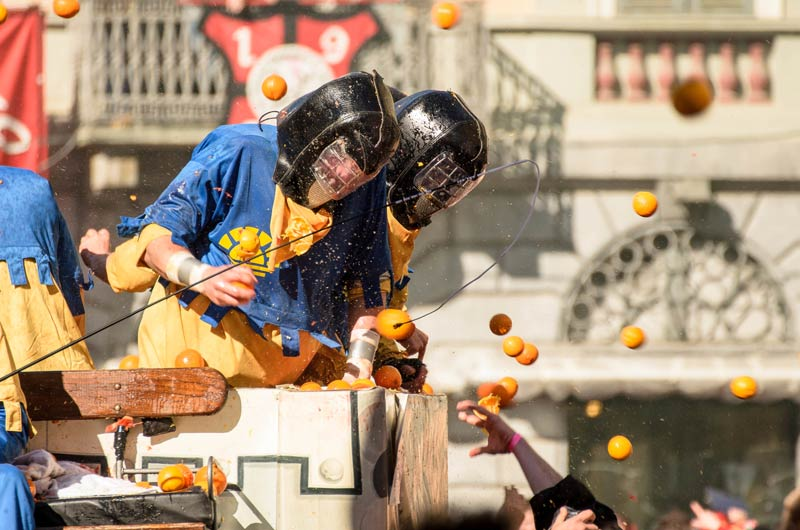 battle of oranges carnival of ivrea