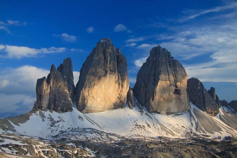 Tres picos de dolomitas