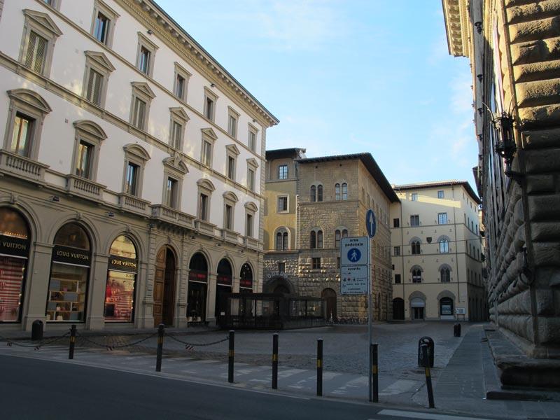 Via degli Strozzi  - Firenze