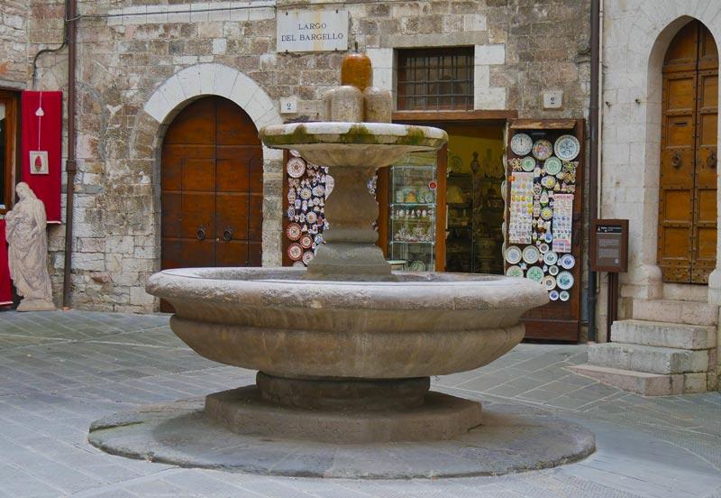 La fontana dei matti, Gubbio