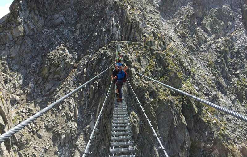 Ponte tibetano sulla Ferrata Dibona- Veneto