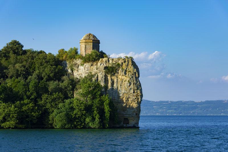 Isola Bisentina- Lago di Bolsena