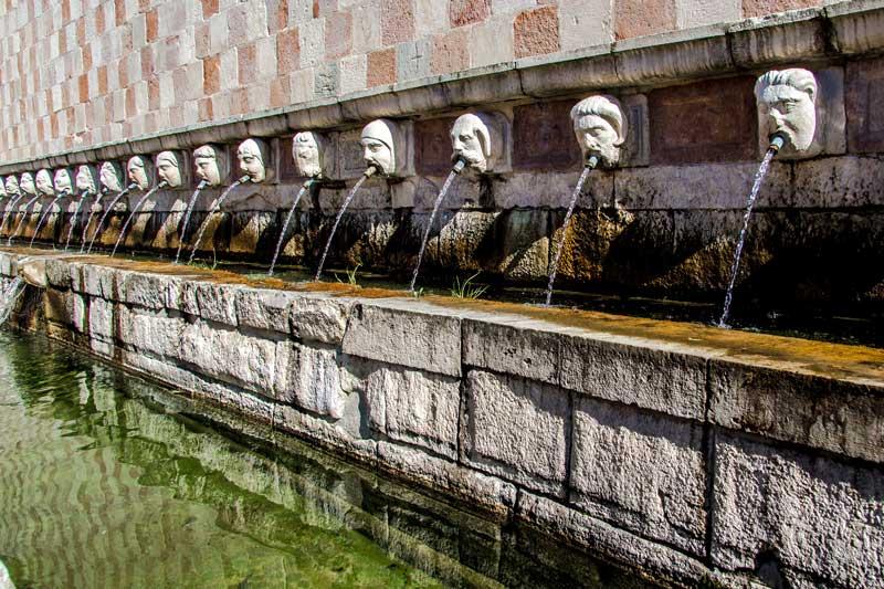 Fontana delle 99 Cannelle L Aquila